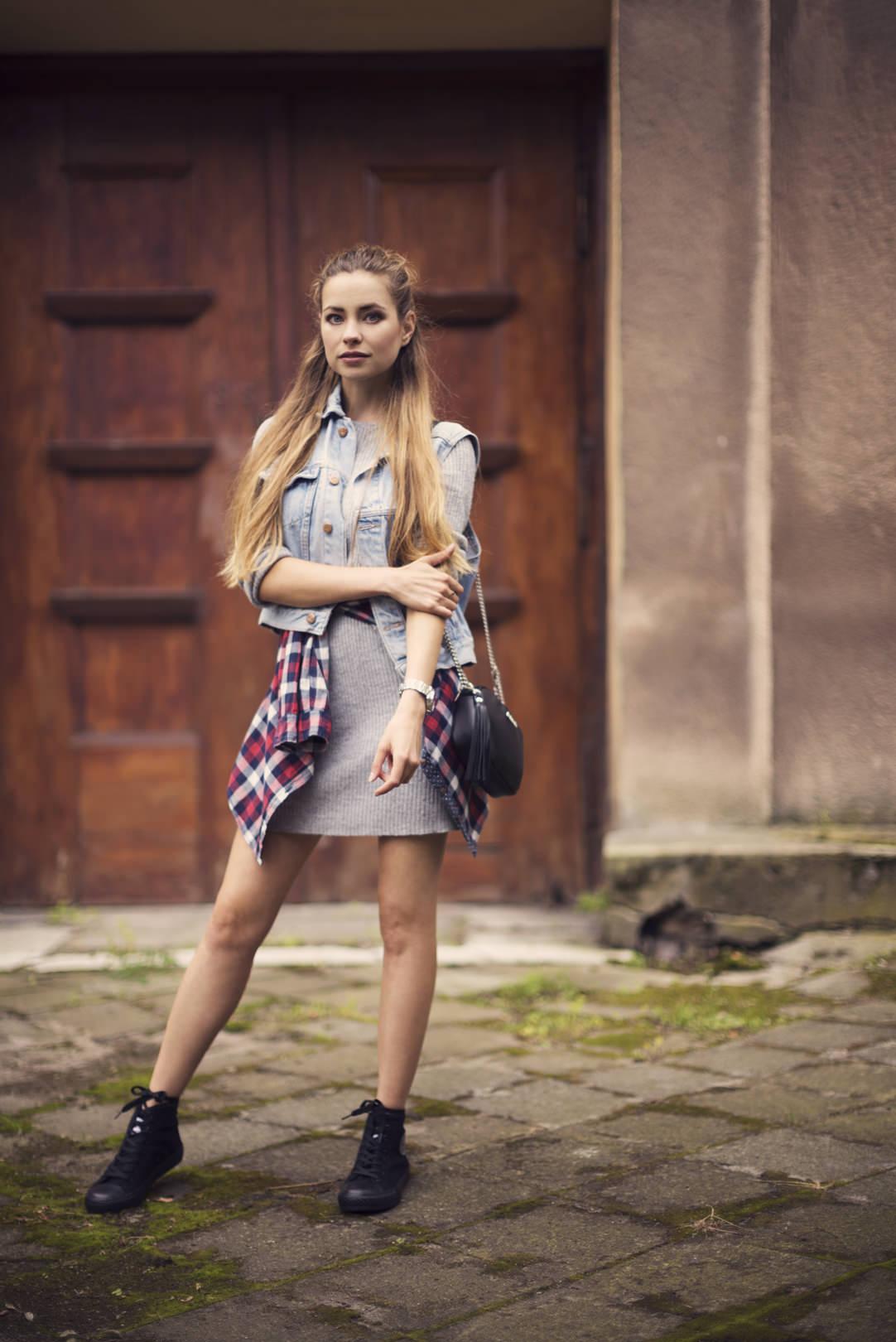 Juliette_in_Wonderland_grunge_03